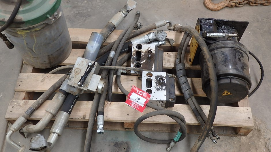 Excavator Hammer Greasing Components & Hydraulic Hoses