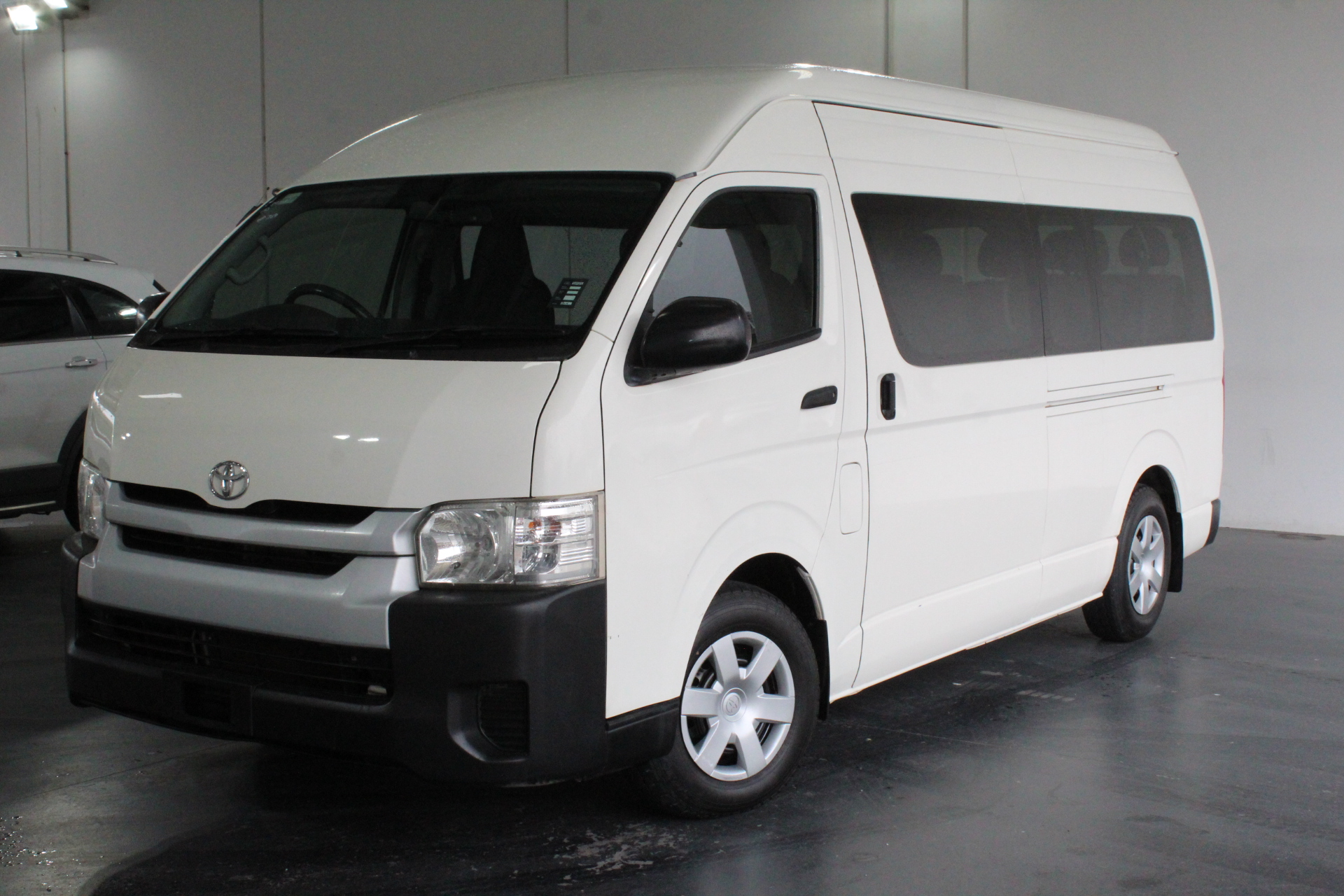 2014 Toyota Hiace Commuter KDH223R Turbo Diesel Automatic 12 Seats Bus