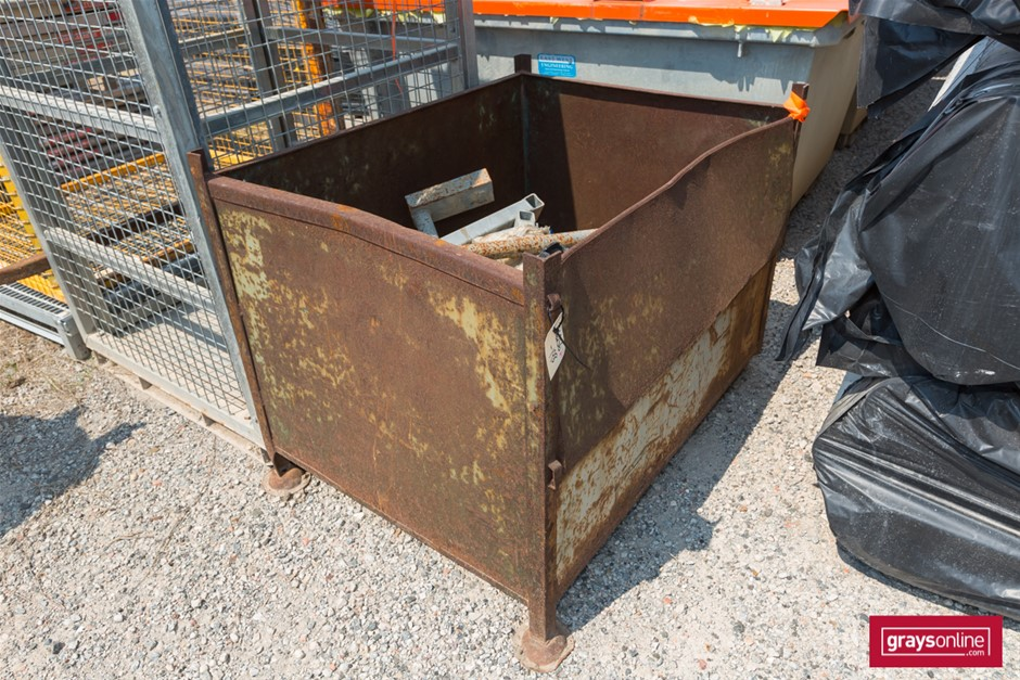 Qty Assorted x Scaffolding Parts in Steel Stillage Parts may in