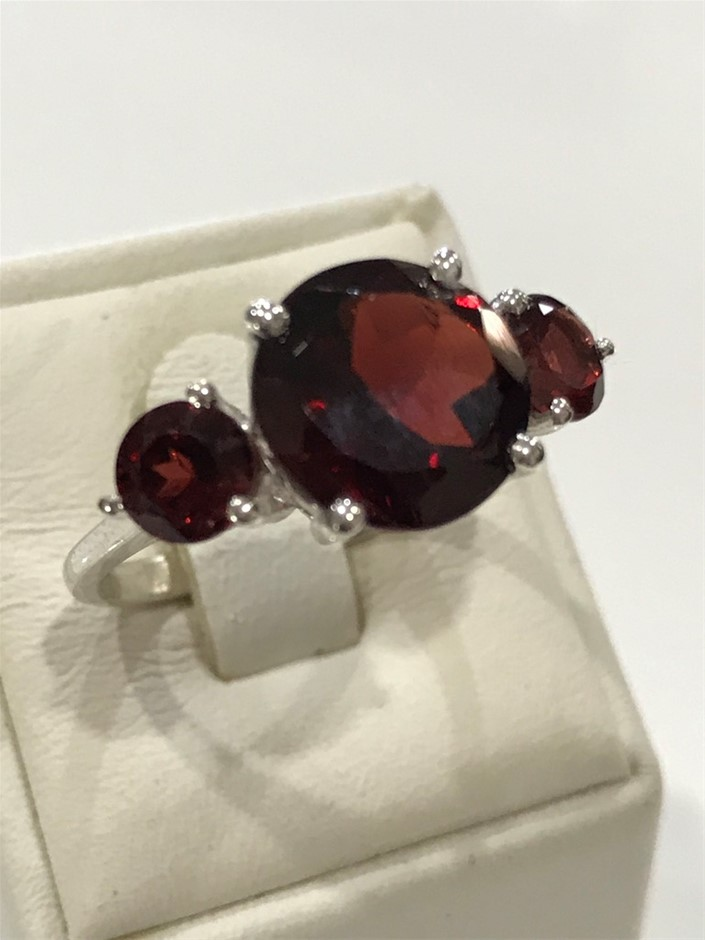 Classical Three Stone 5.75ct Garnet Ring