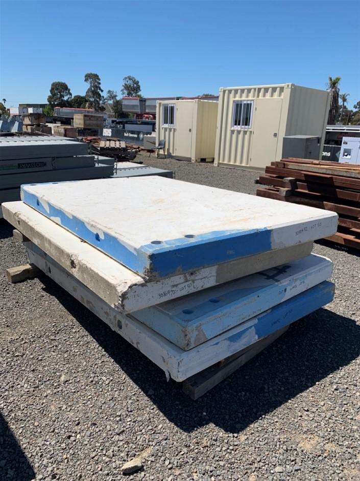 4 x Concrete Tilt Panels
