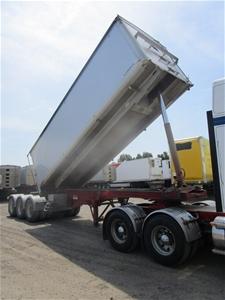 2013 Stoodley ST3325 Triaxle Grain Tippe