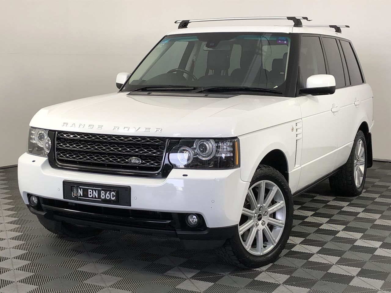 2011 Land Rover Range Rover Vogue TDV8 T/Diesel Automatic - 8 Speed Wagon