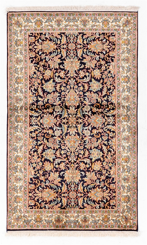 Kasmiri hand knotted PURE SILK PILE hand knotted rug Size (cm): 92 x 155