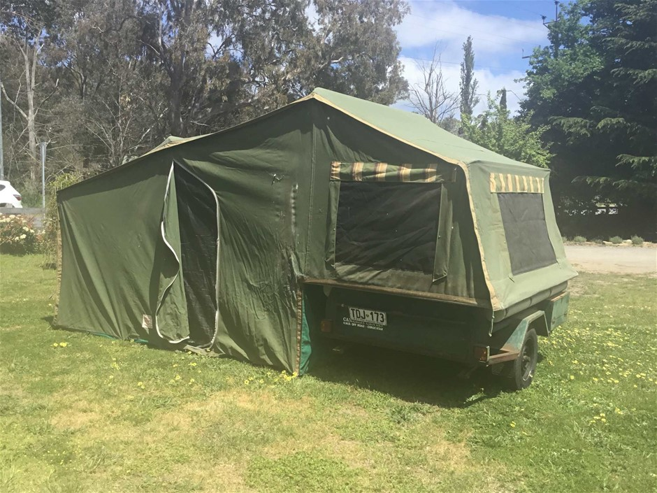 1992 Modern Trailers Cameron Camping Trailer