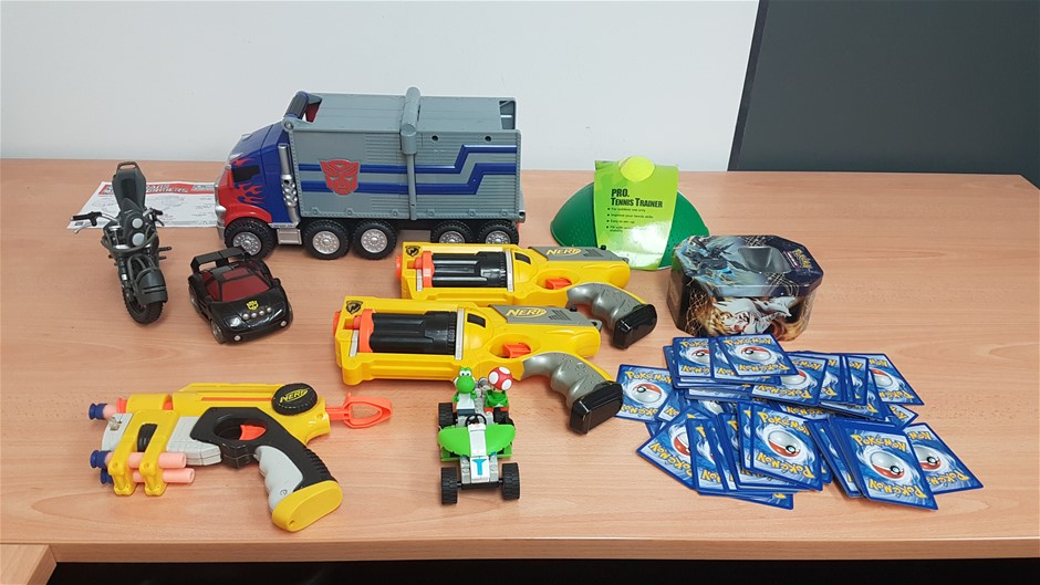 A qty of boy toys including nerf guns (Pooraka, SA)
