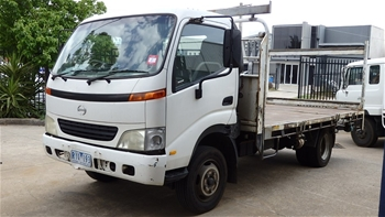 2002 Hino Dutro Tray Body Truck