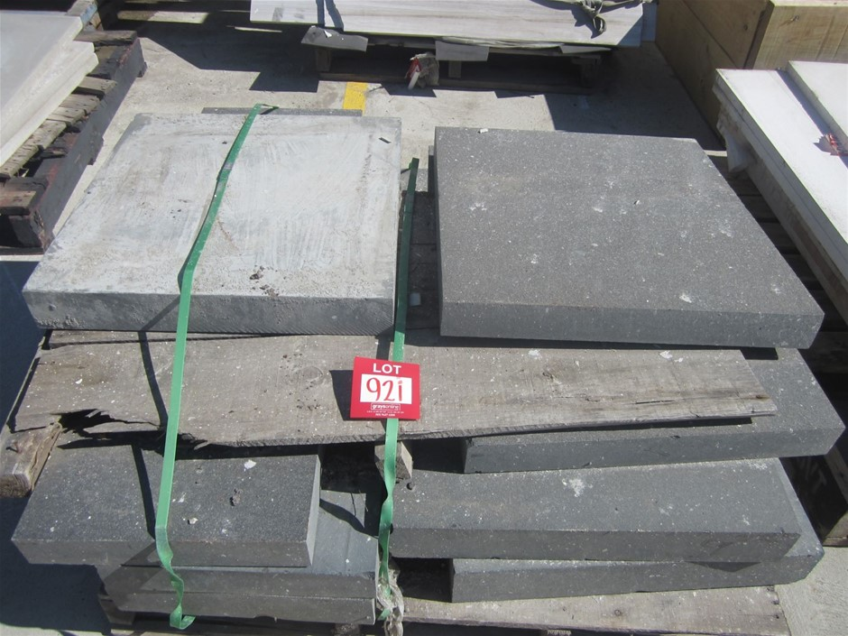 Pallet of Large Bluestone Pavers. Mixed Sizes.
