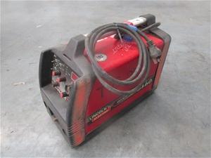 1 x Lincoln Electric Invertec V160 Welde
