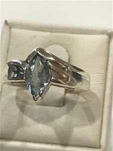 Impressive 1.20ct Blue Topaz Ring . Size
