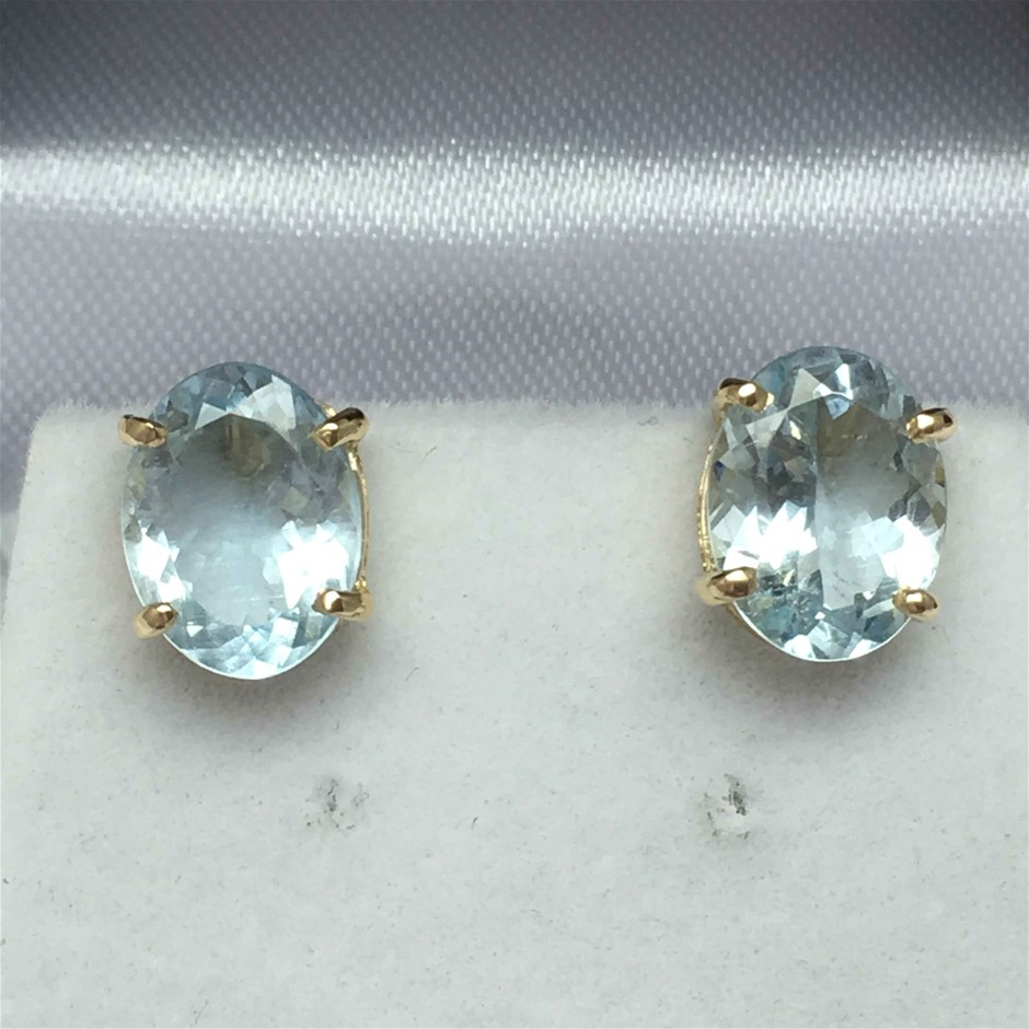 18ct Yellow gold, 4.36ct Aquamarine Earring