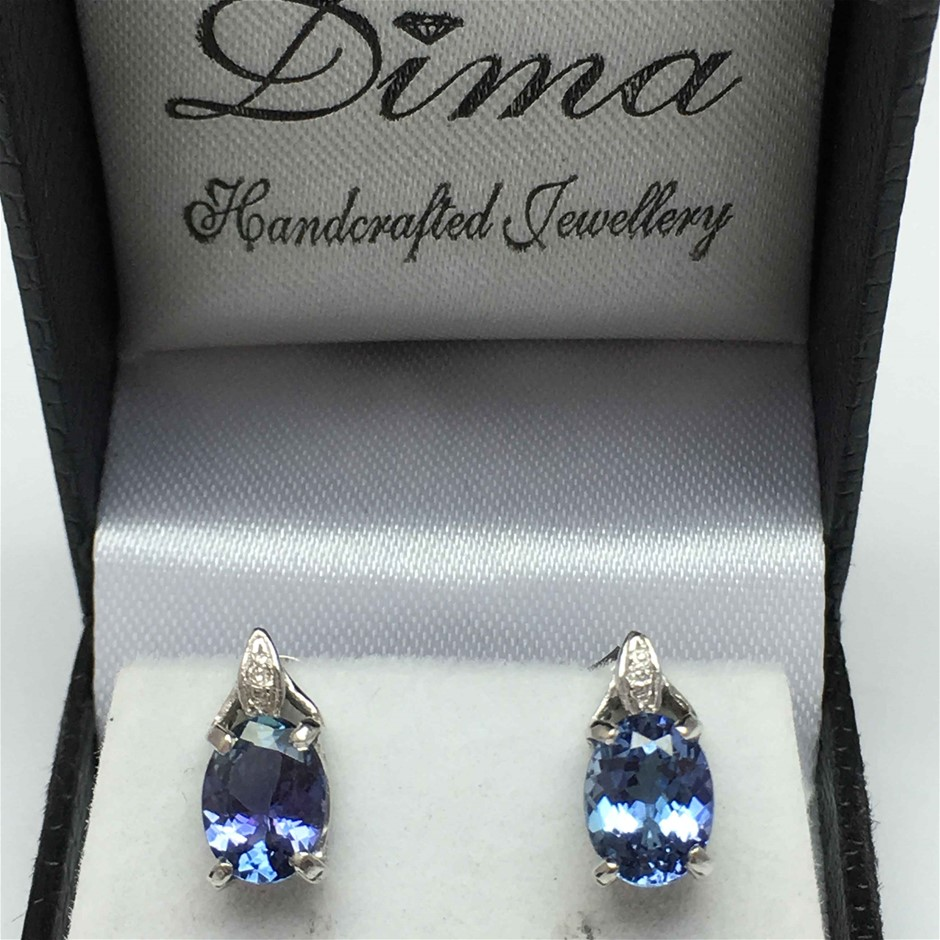 18ct White Gold, 3.18ct Tanzanite and Diamond Earring