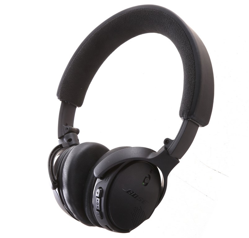BOSE SoundLink On-Ear Bluetooth Wireless Headphones, Black. Complete with C