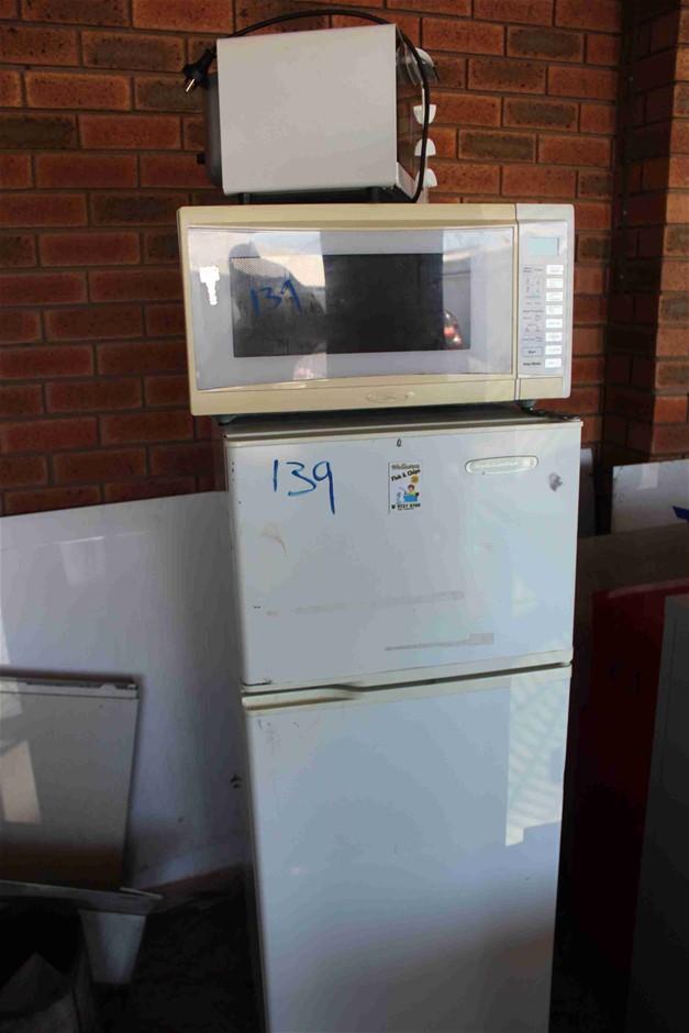 Kelvinator Fridge Microwave and Homemaker Toaster Oven