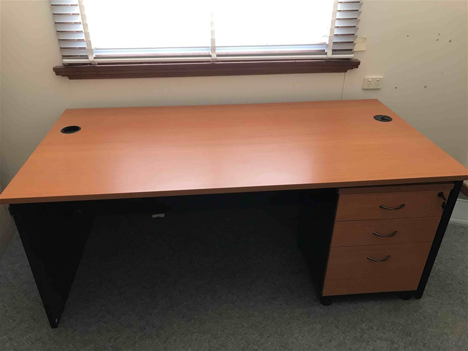 Office Desk and Lockable Filing Cabinet