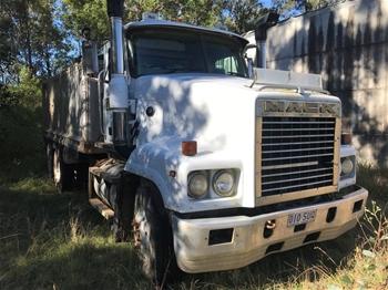 2003 Mack 6 x 4 Tipper Truck