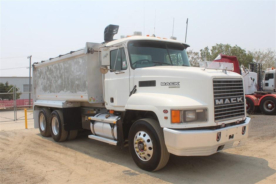 2001 Mack Fleetliner 6 x 4 Turbo Diesel Tipper Truck (Ex Corp)