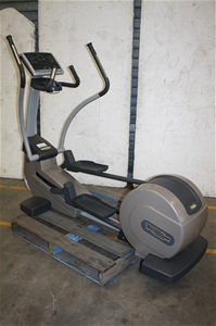 technogym elliptical cross trainer auction 0034 7003128. Black Bedroom Furniture Sets. Home Design Ideas