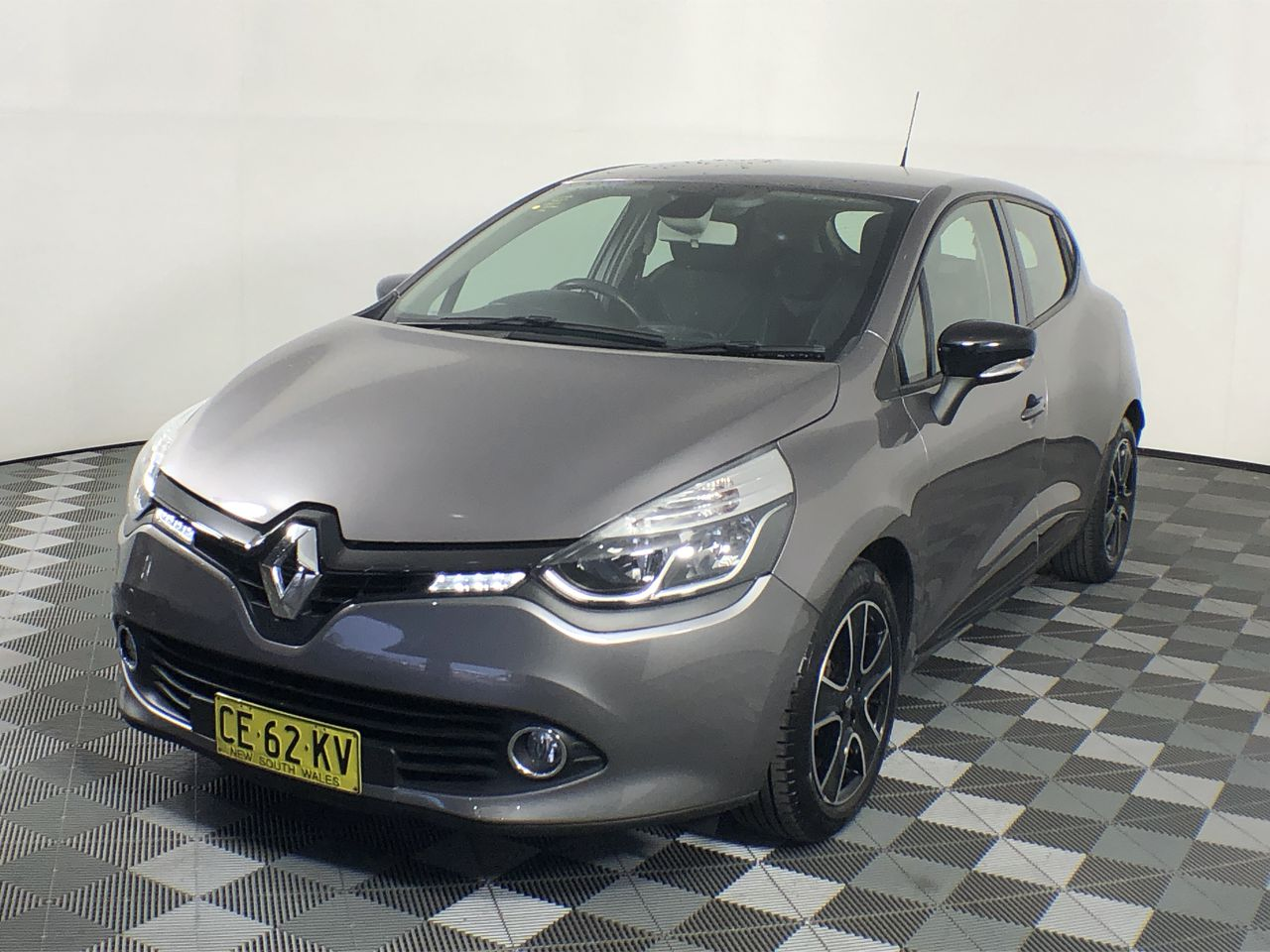 2015 Renault Clio Expression Manual Hatchback