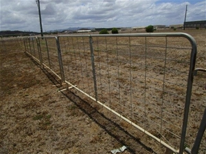 1 x Galvanised Leg Fence Panels