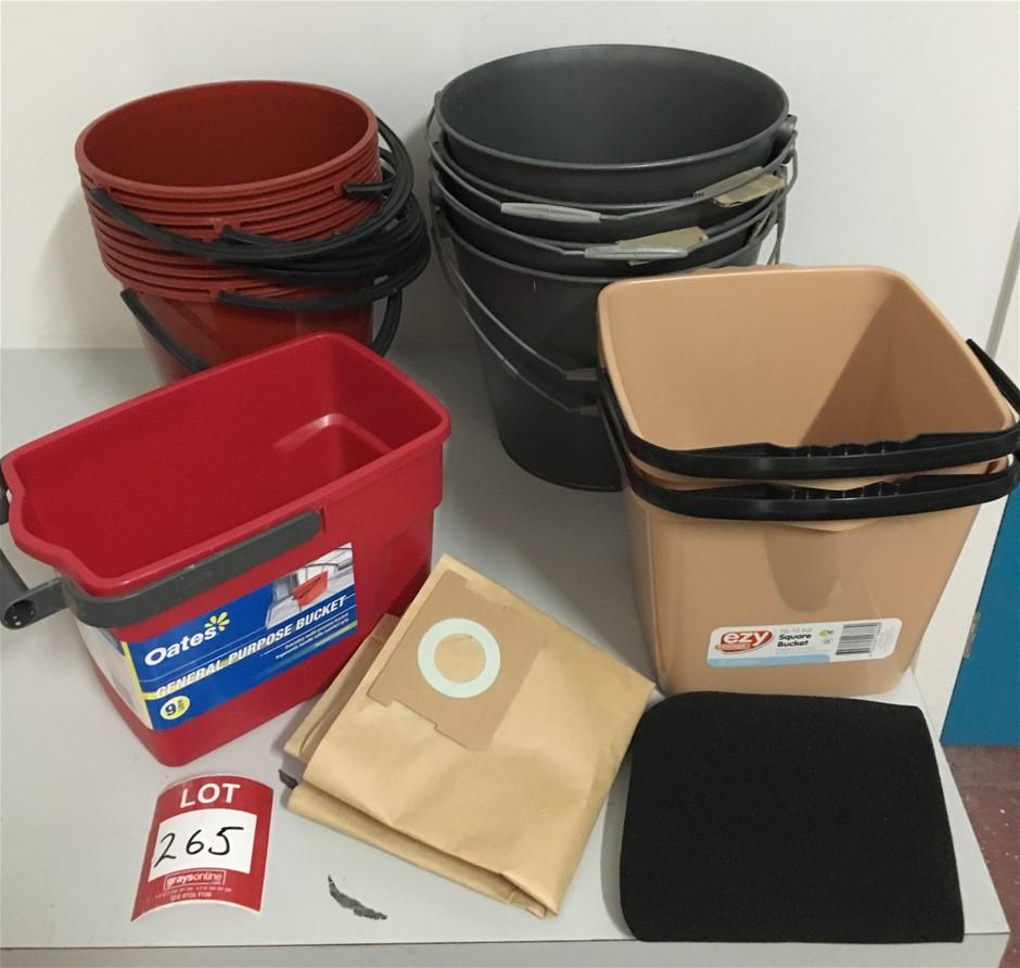Buckets 9 x 9Lt brown Plastic Buckets.