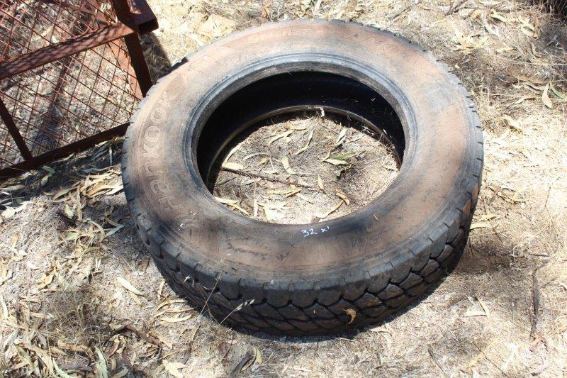 1 Truck Tyre