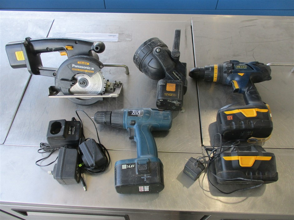 4x Assorted Cordless Power Tools Comprising