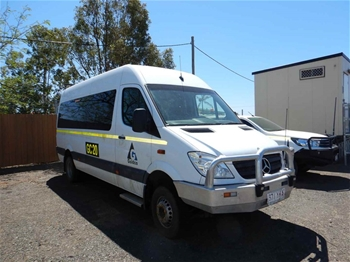 Mercedes Sprinter 519CDI 4WD Mini Bus