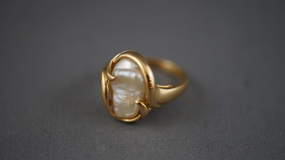 Stamped 14ct Yellow Gold Pearl Ring