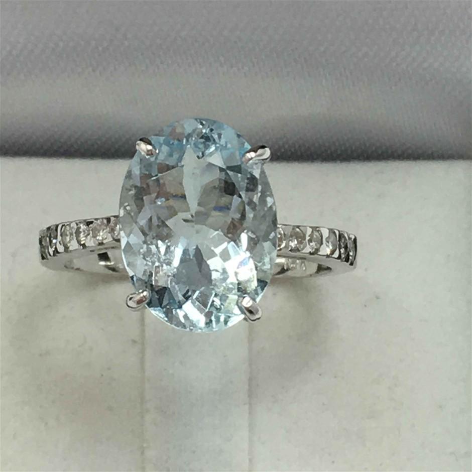 18ct White Gold, 3.97ct Aquamarine and Diamond Ring