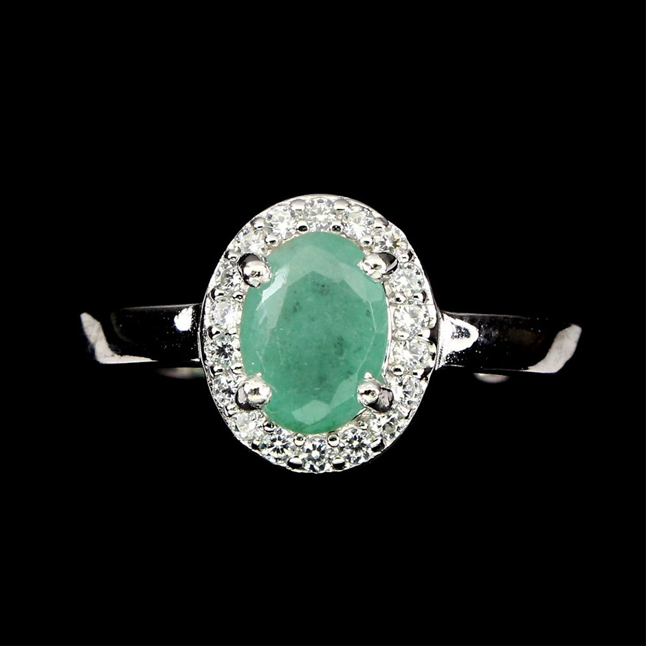 Beautiful Genuine Emerald Solitaire Ring.