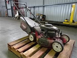 Toro 22156 Self-Propelled Lawn Mower (Po