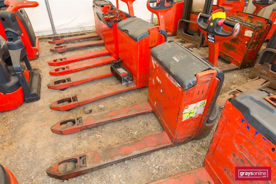 2008 Linde T18 Electric Pallet Truck Year: 2008 Make: