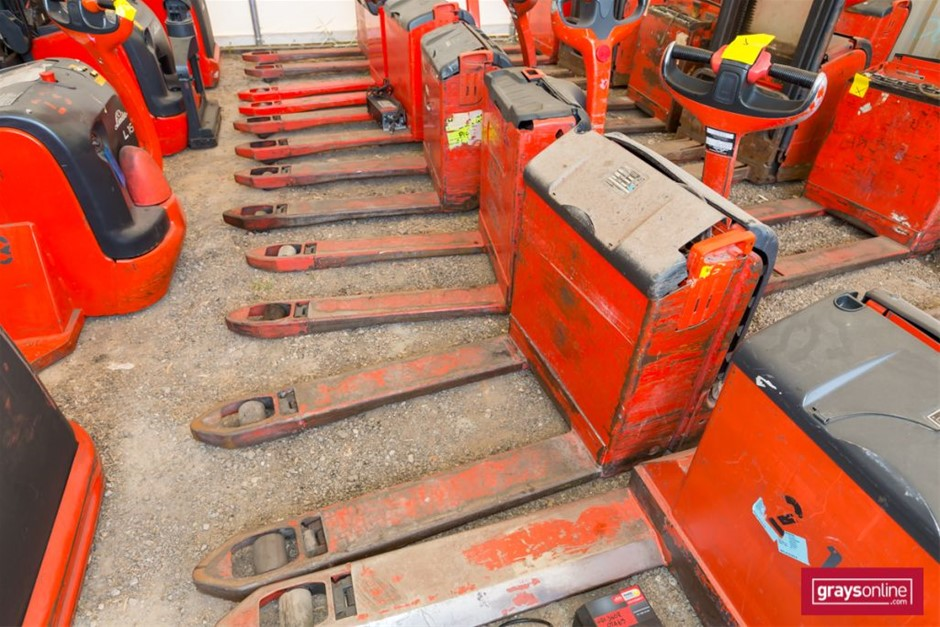 2007 Linde T18 Electric Pallet Truck Year: 2007 Make: