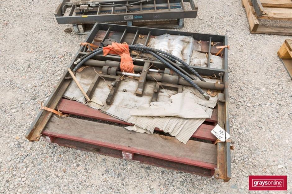 Forklift Frame Size: (W)1200mm (H)1190mm Damage: Scraped,
