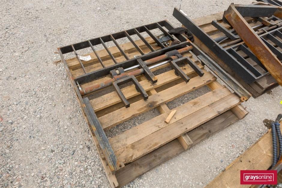 Forklift Frame Size: (W)1190mm (H)1200mm Damage: Scraped,