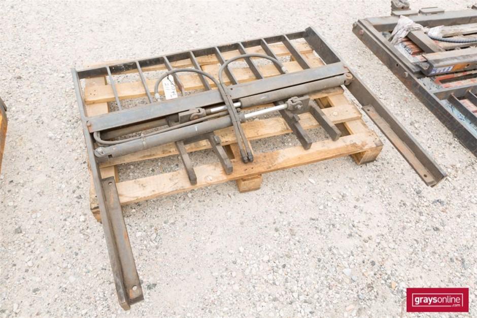 Forklift Frame Size: (W)1400mm (H)1200mm Damage: Bent Upri