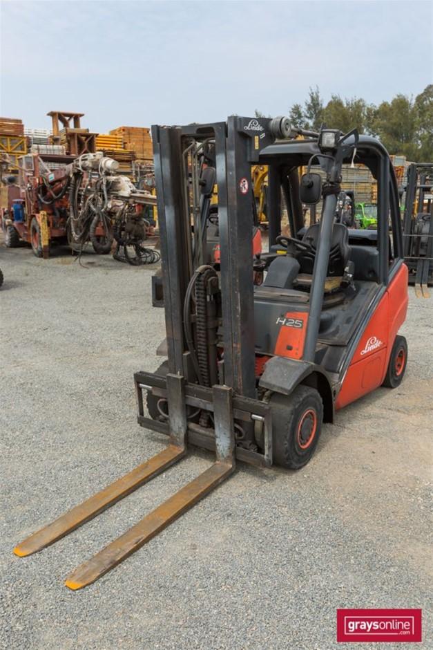 2003 2.5 Tonne Linde H25T 4 Wheel Counter Balance Forklift