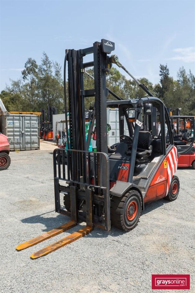 2007 3.0 Tonne Linde H30t 4 Wheel Counter Balance Forklift