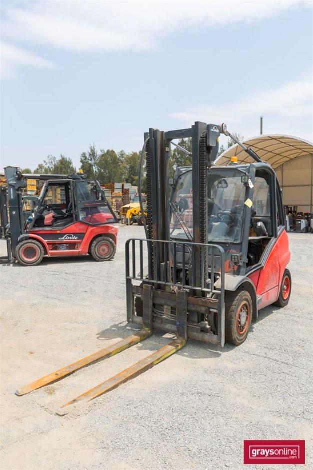 2011 4.0 Tonne Linde H40D 4 Wheel Counter Balance Forklift