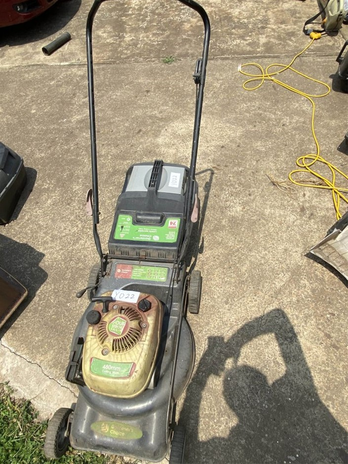 Garden`s Choice, 4 stroke Mower with Catcher Complete, Untested (267980-9