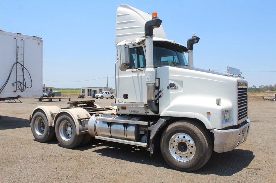 2001 Mack Trident 6 x 4 Prime Mover Truck