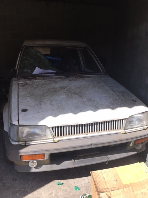 Entire contents of overdue storage including: 1x Car White Daihatsu G11
