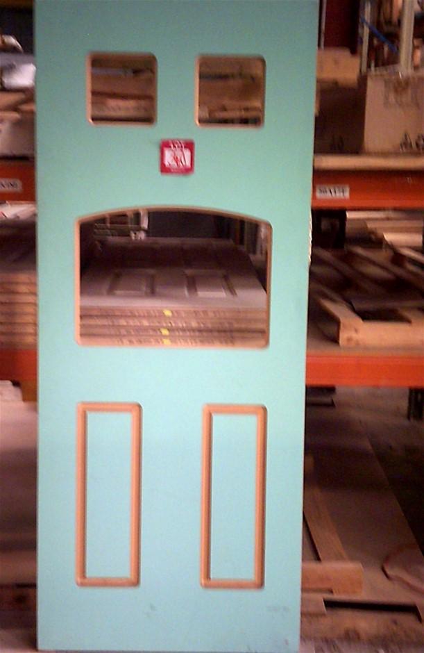 2040mm x 820mm x 40mm Entance Door. Unglazed.