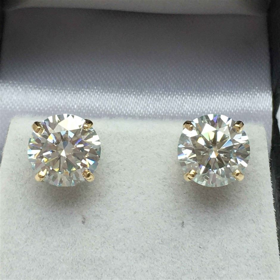 18ct Yellow Gold, 2.00ct Moissanite Earring