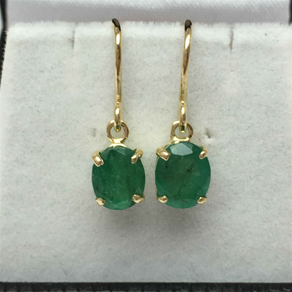 18ct Yellow Gold, 3.36ct Emerald Earring