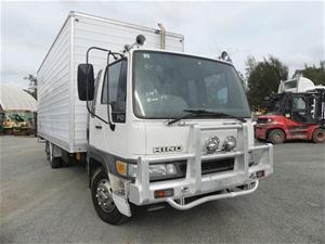 2002 Hino FD 4 x 2 Pantech Truck (WOVR)