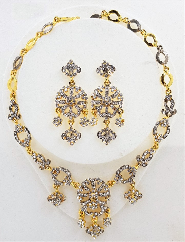 Gold & Silver Crystal Necklace/Earring Set.