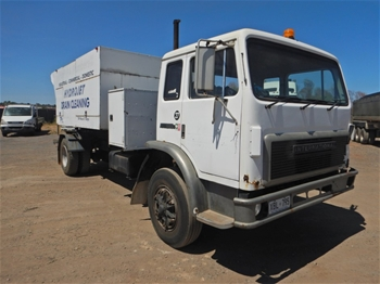 1990 International Acco 1850D 4x2 Drain Cleaning Truck