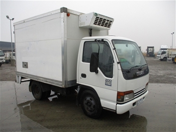 2002 Isuzu NKR 200 Short 4 x 2 Refrigerated Body Truck